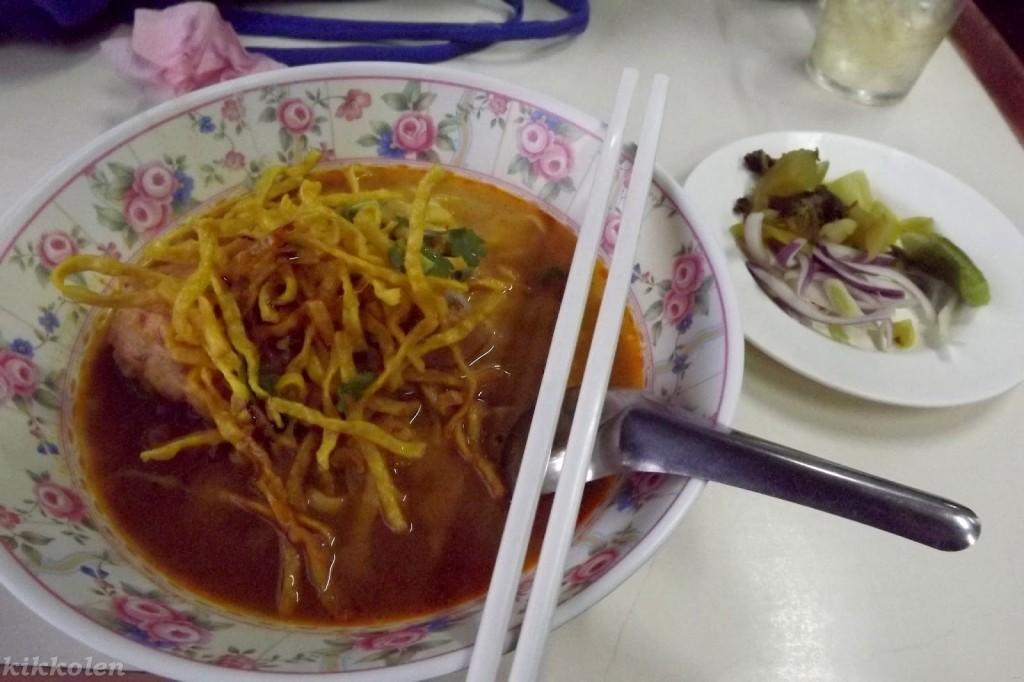 Khao soi, piatto tipico del Laos e della Thailandia del nord.