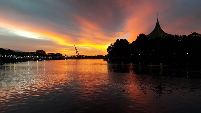 kuching-riverside
