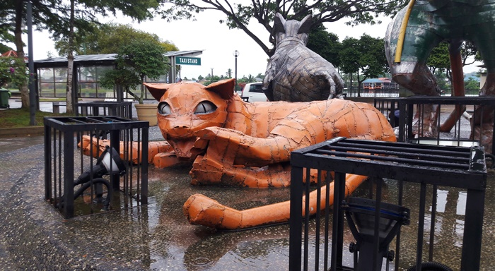 scultura-gatto-kuching